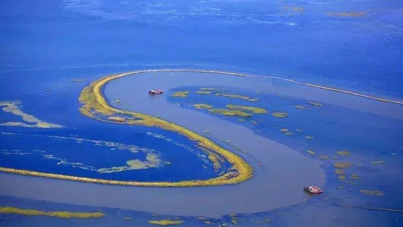 持之以恒狠抓生态文明建设,保护青山绿水,留住蓝天白云!
